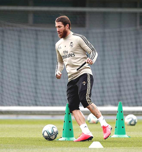Other coaches do strange Zidane in Real's first training session after 2 months