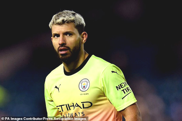 Aguero suddenly led riots Premier League: Man City got mad