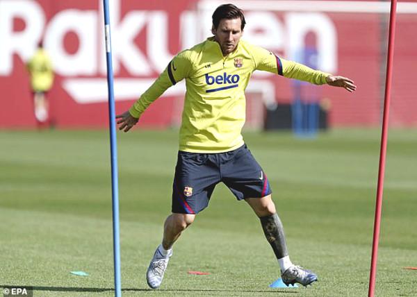 La Liga, Serie A coming back: Messi, Ronaldo racing quietly happy