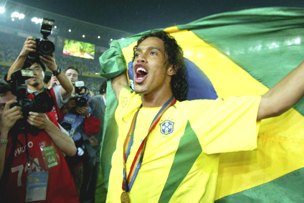 Unimaginable transfer: If Ronaldinho joined United, What would Ronaldo be like?
