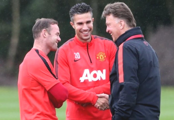 Former United boss Van Gaal used to slap Van Persie at World Cup because of this