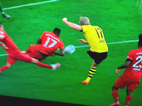 Controversy VAR: Dortmund - Haaland takes the penalty, Bayern was biased?