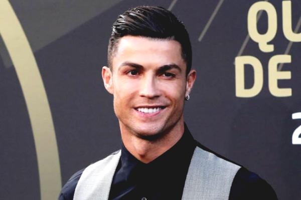 $1 billion super athlete Ronaldo is to buy super beautiful mansion