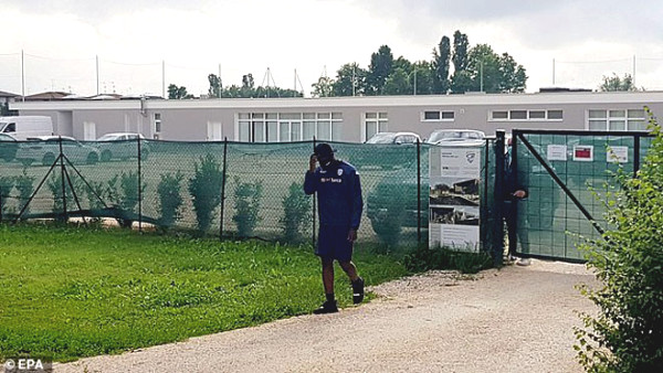 Balotelli was expelled: appeared at the training ground again