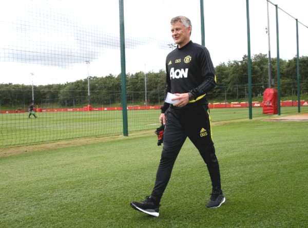 "MU stars exercised for Tottenham match: coach Solskjaer exposed  special ""tactic"""