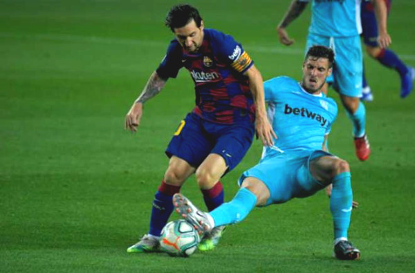 Messi is like rejuvenation: Solo from midfield to score, irritated because of missing milestone