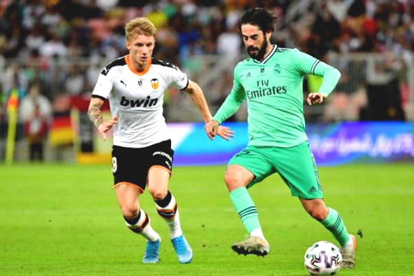 Real Madrid football commentary - Valencia: Defeat prey, chasing Barcelona