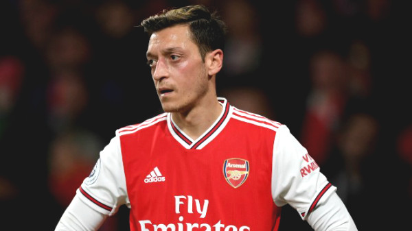 Hot 1/7 football news: Arsenal wasted £ 350,000 / week for Ozil