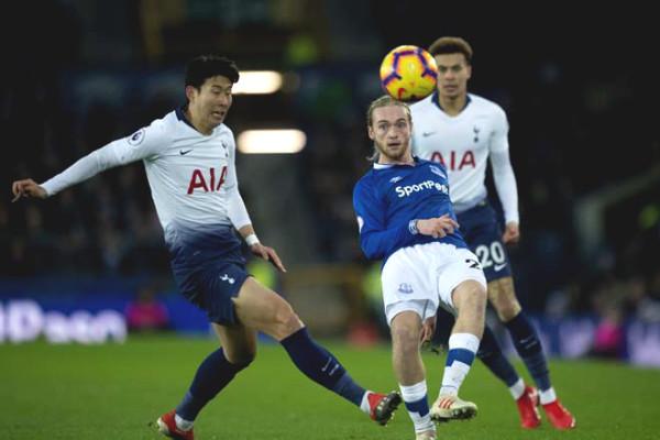 Verdict football Tottenham - Everton: match wits Mourinho Ancelotti, a dream of C1