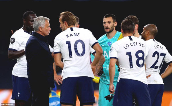 Fiery racing for Top 4 of Premier League: Tottenham has 3 points, can catch up MU or not?