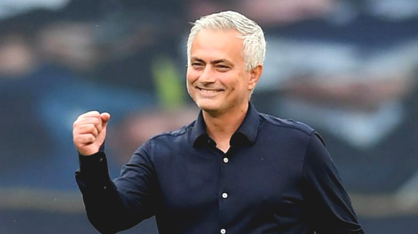 Lower Arsenal Tottenham: Mourinho sarcastically