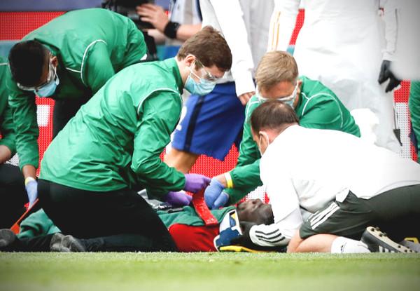 Miserable MU: Bailly emergency hospitalization, mythical claim