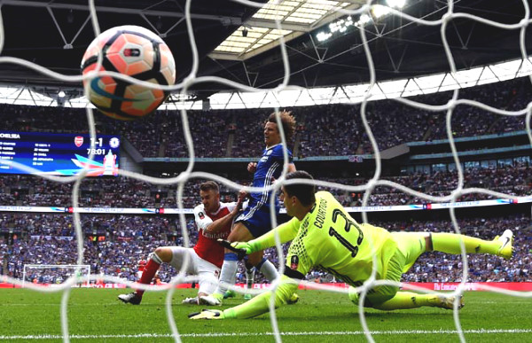 Chelsea MU type, not too happy about: Arsenal are teenagers in the FA Cup final