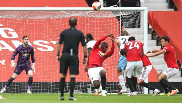 Handball led to MU 11m, Pogba is heavily criticized despite apologies
