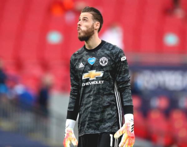 MU shocking transfer: Pick legend's son to replace De Gea?