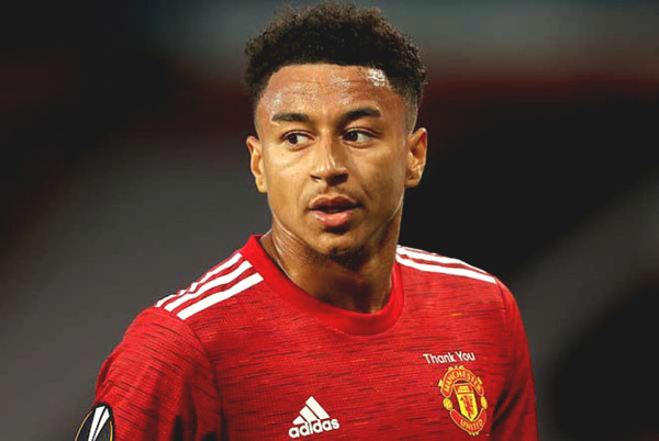 Lingard got frustrated because of substitution after scoring for Manchester United, Solskjaer raised his voice about the problem