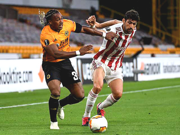 """Europa League football result of Wolves - Olympiakos: Mistake at match start, honoring """"spider man"""""""