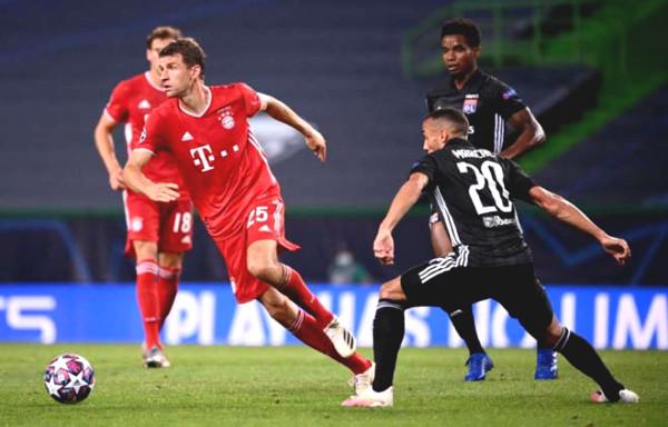 War peak Lyon - Bayern: Lewandowski