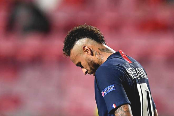 Neymar tearful look Bayern Champions League, won the 3-eat Monday