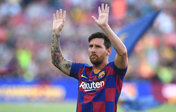 """Furious Barca fans """"invaded"""" Nou Camp because of Messi, police had to be involved"""