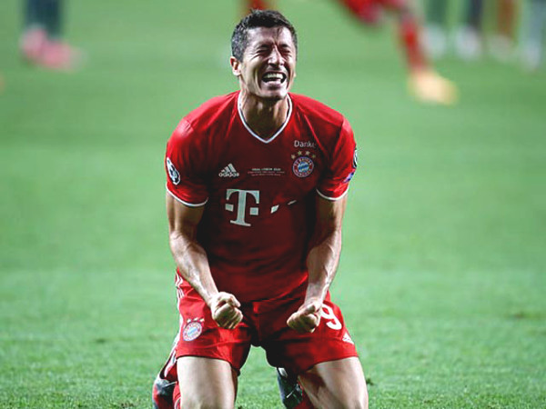 Lewandowski won the honorrable individual award, dreamt to be like Ibrahimovic