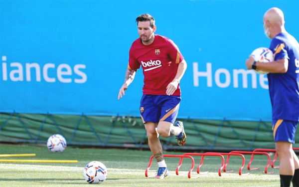Messi and coach Koeman met privately for 30 minutes, which role will he be given on the field?