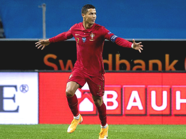 Ronaldo scored two super goals, reached 100 goals milestone: Only under one person
