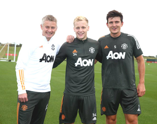 Van de Beek files beginning with MU, easy to match the military soccer Premiership