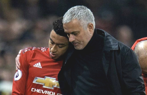 "MU 21/9 Transfer: Mourinho wants to rescue Lingard from the ""Reds"""