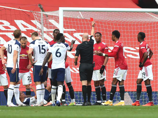 Humiliated Manchester United - Tottenham: Why dis Martial get a straight red card?