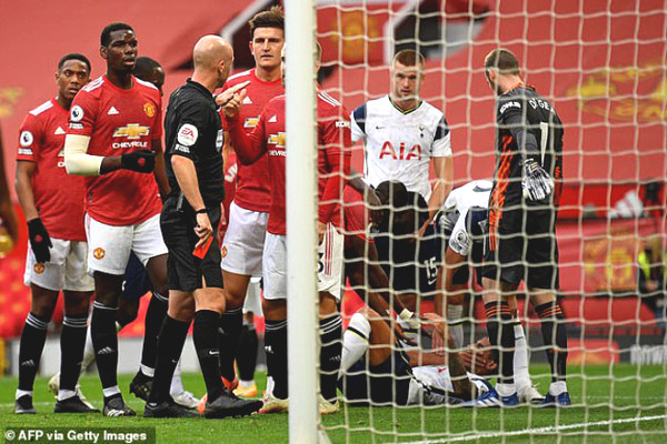 Maguire prevent complaints Rashford red card Martial service: Fan demanded captaincy stripped MU