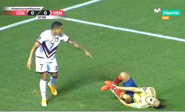 Star Atletico horrific broken leg, James Rodriguez held his head horror