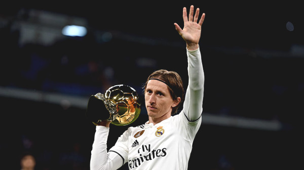 """Hot football news 14/10: Real wants to sell the """"Golden Ball"""" Modric"""