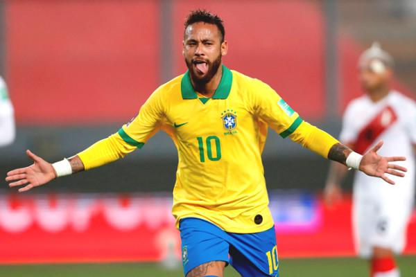 "Neymar hat-trick for Brazil: Beyond ""fat"" Ronaldo, still less than the ""king"" Pele"