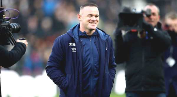 Rooney is going to be head coach: Learns from the legend, play and coach at the same time