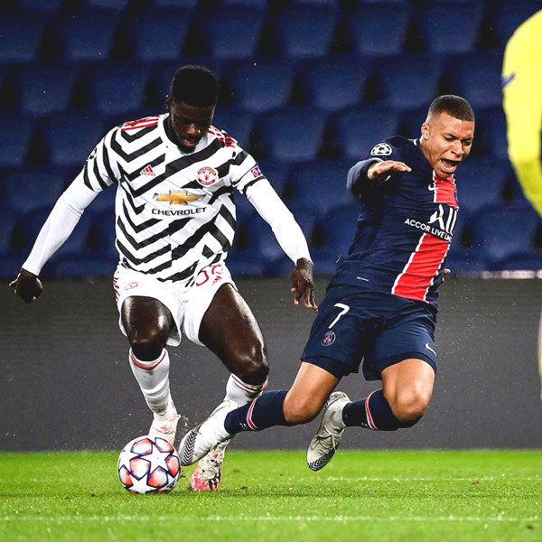 """Mbappe - Neymar was in Tuanzebe """"pocket"""", the Manchester United legend strongly praised"""