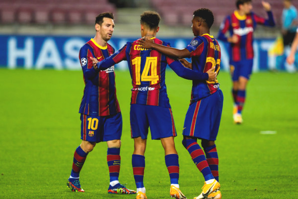 Messi shined, Barca goes into C1 Cup history thanks to young star