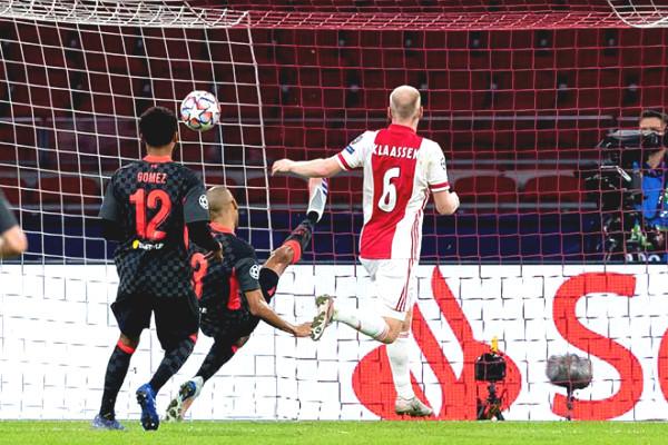 C1 Cup Soccer Results Ajax - Liverpool: He grew sweaty, landmark own goal