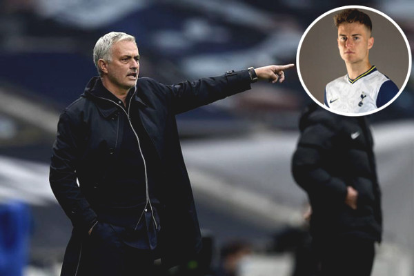 Latest Football news on November 25: Mourinho puts trust in young talents