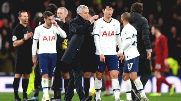 Breathe taking Premier League: Fiercely 10 teams fighting for champion title, which candidates will break out?