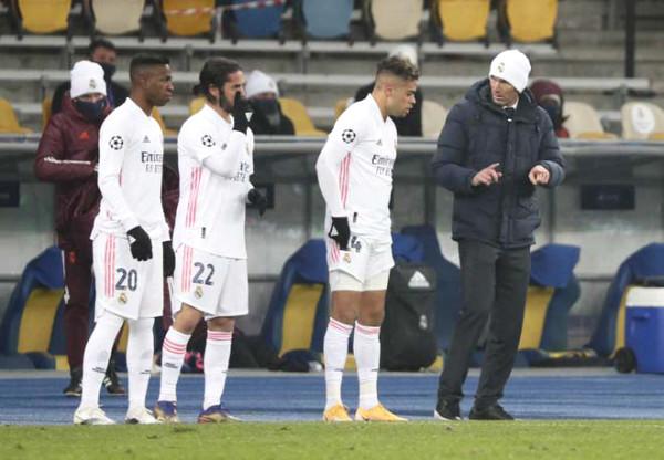 2 blockbusters Coutinho, Hazard played badly: La Liga was fooled, Barca - Real got defeated