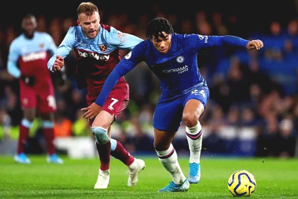 Live football Chelsea - West Ham: Goals come continuously