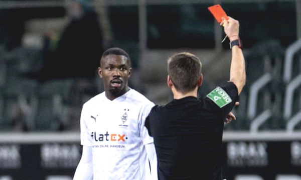 Shame on German football: The son of Thuram spitted straight on the opponent face