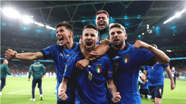 Party 25 goals & 5 top matches in Euro: Germany for Ronaldo