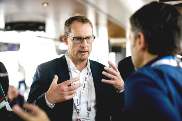 Want an Amerindic performin in Bundesliga, says CEO Robert Felix klein