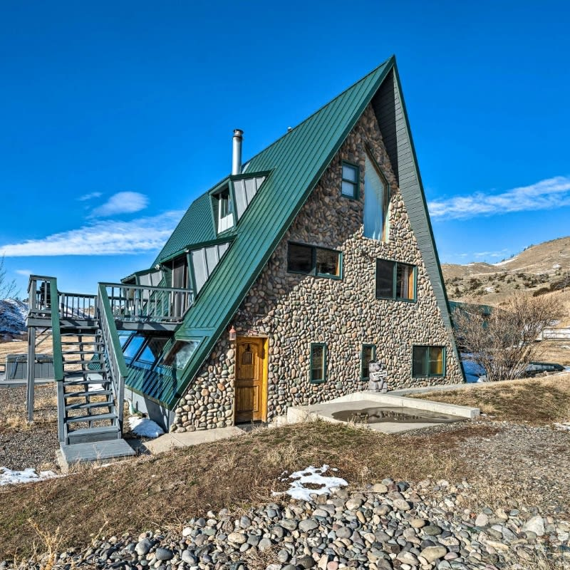 A-Frame vacation rental cabin in Livingston, Montana