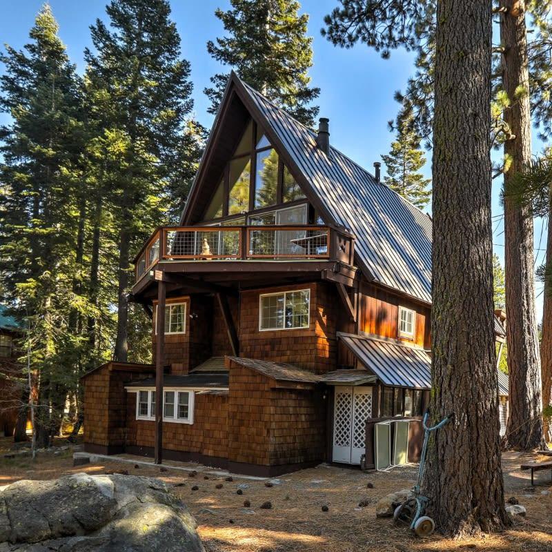 Rustic wood vacation rental cabin in Tahoma, CA