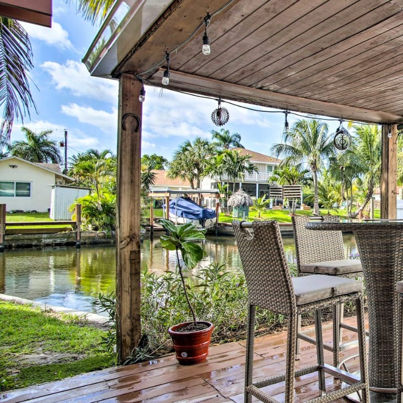 Fort Lauderdale vacation rental on the waterfront with an outdoor space