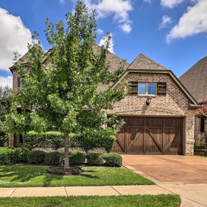 Large brick home in Forth Worth, Texas