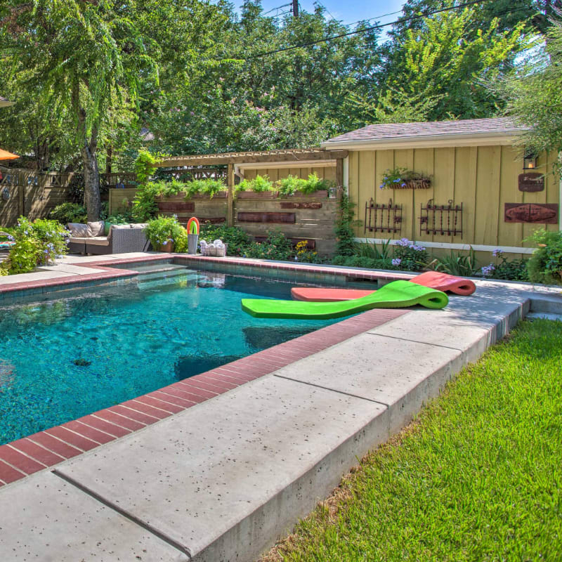 Outdoor pool and furniture in Fort Worth, Texas